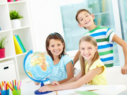 Образователни играчки за деца в начален етап